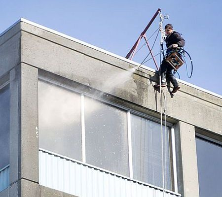 A window washer suddenly and unexpectedly fell to his death